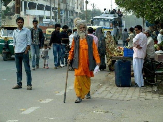 Rajasthan (Jaipur), Holt men in India. maninio.com #Rajastanjaipur #Agradelhi