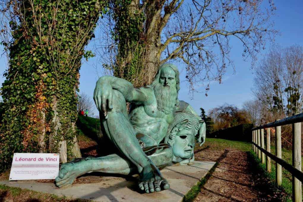 Leonardo Da vinci statue in Chateaux Amboise