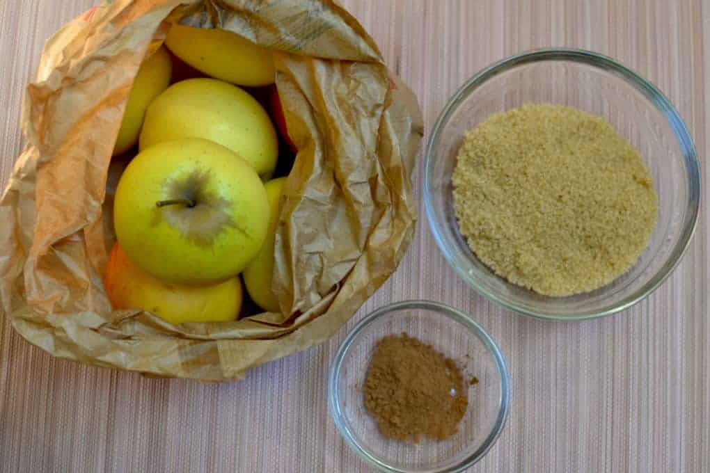 Green apples, cinnamon and brown sugar for the Vegan Apple pie filling