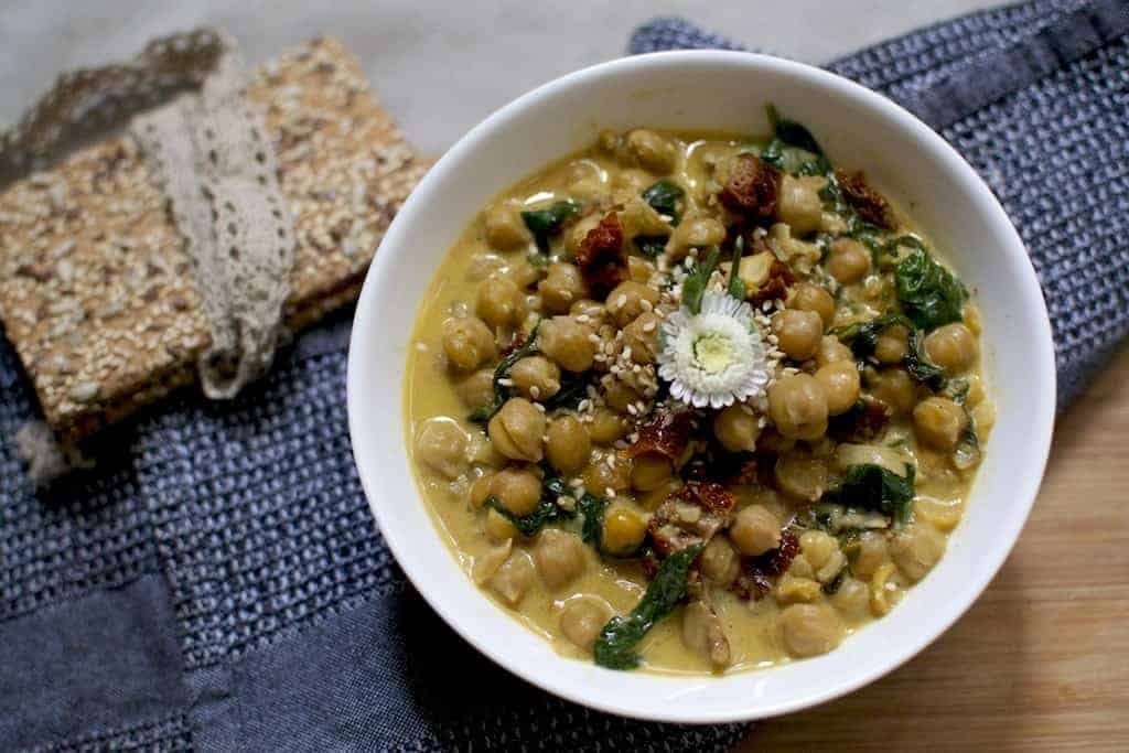 Chickpeas with Spinach and Sun Dried Tomatoes