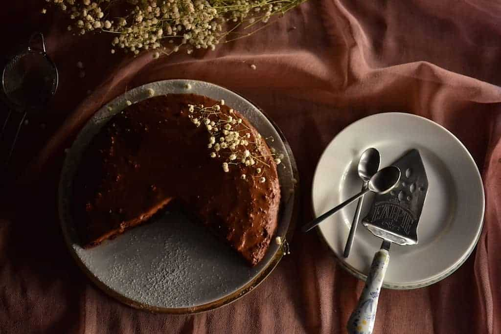 Peanut Butter Chocolate Cake ready for eat. maninio.com