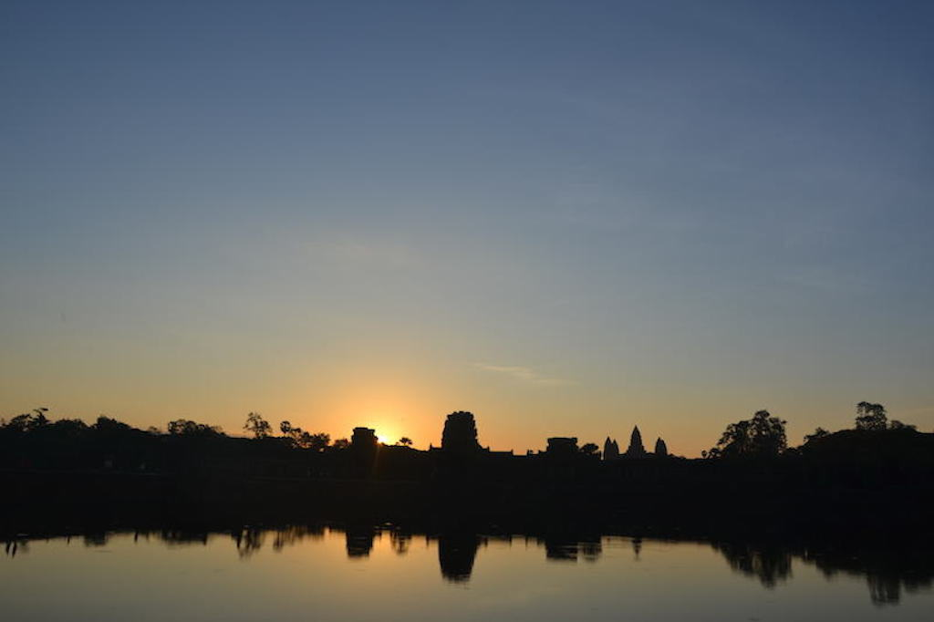 Angkor Wat Temple - maninio.com - Cambodia - Travel - Asian temples- sunrise
