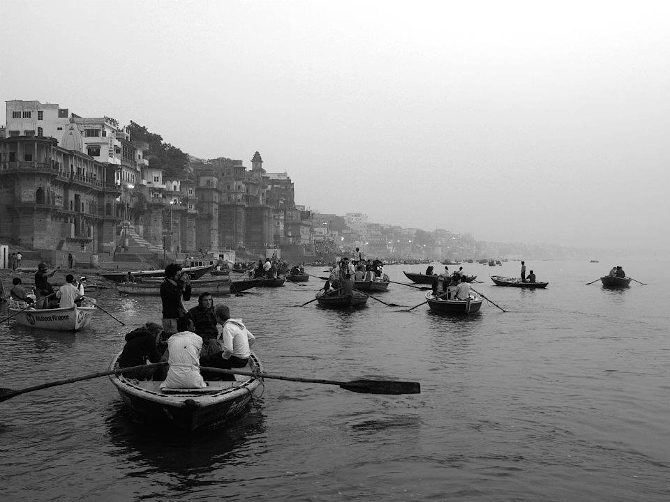 Boats with people in Ganges river