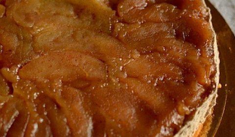 Upside down Apple pie | Vegan. maninio.com #applepies #veganpies