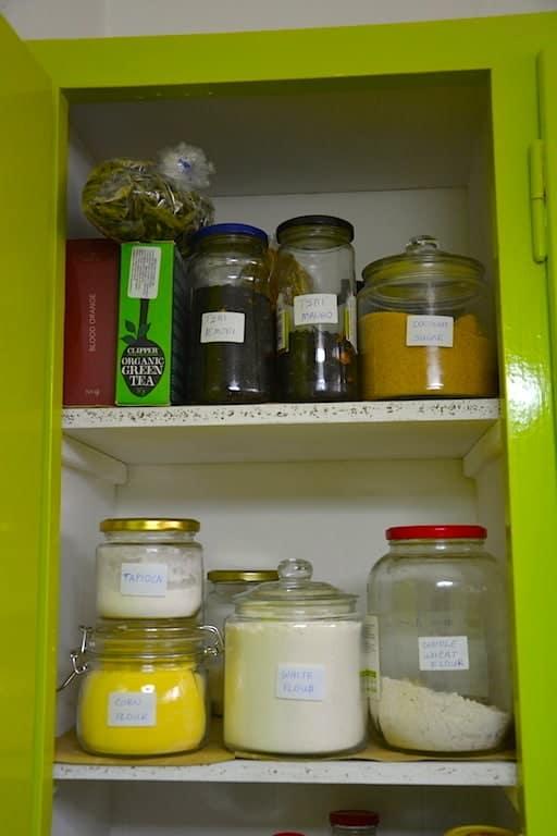 Οργανώστε την κουζίνα σας ως Vegan. Λίστα για ψώνια. maninio.com #vegancuisine #veganpantry