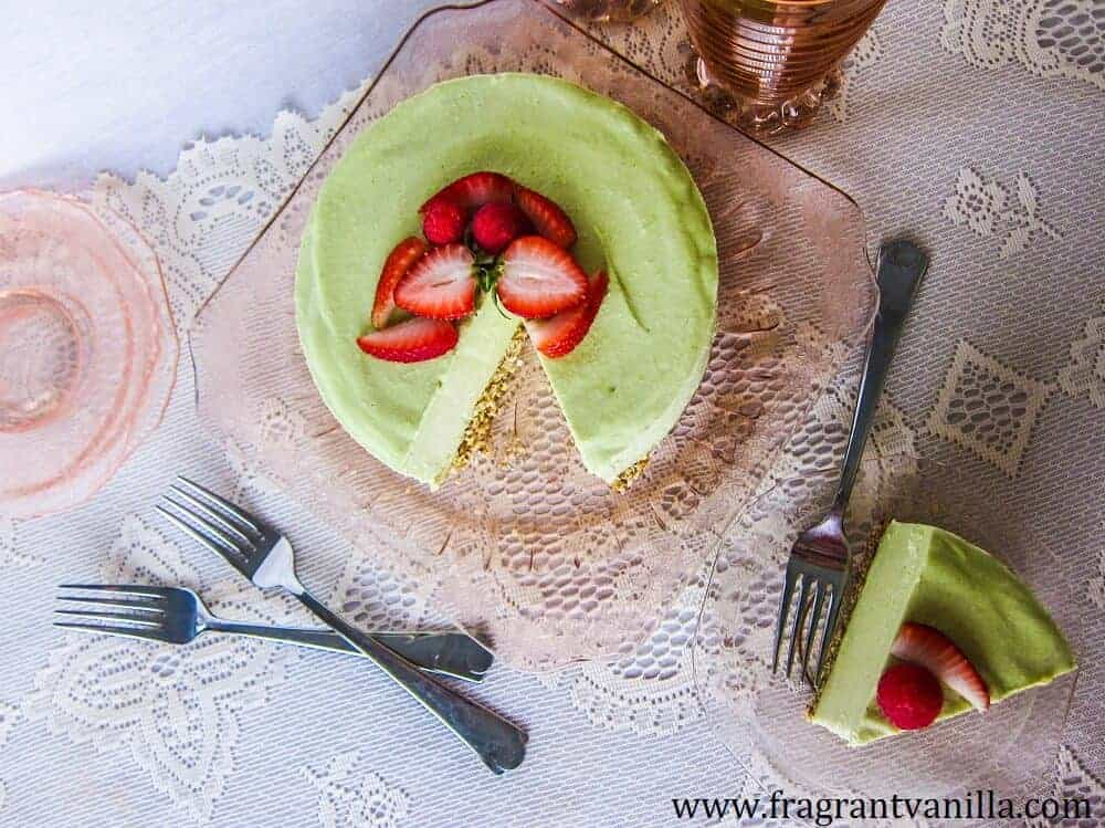 Green Key-Lime Cheesecake in a white table