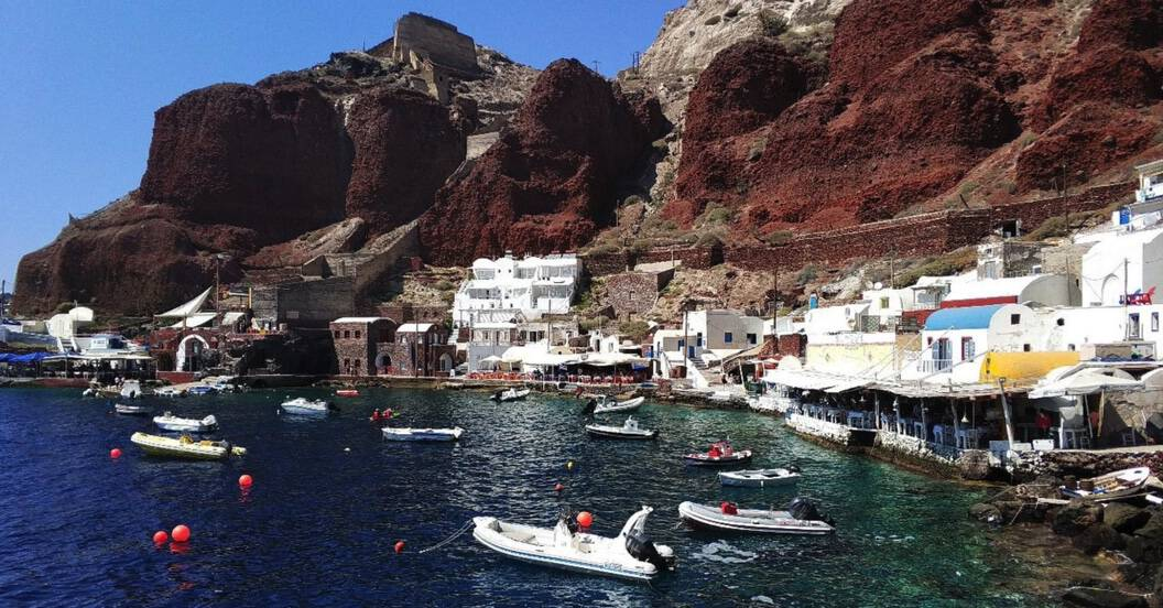 amoudi beach in santorini