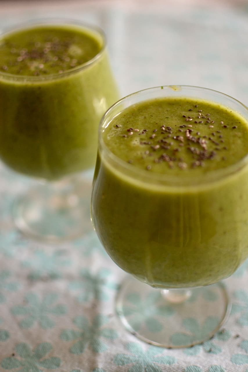 Green Smoothie in glasses