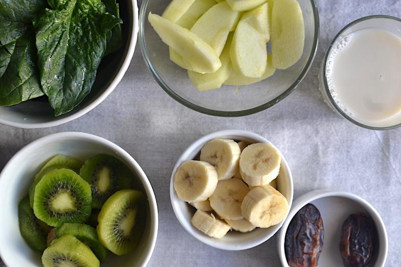 spinash, apple, bananas, kiwi and almond milk