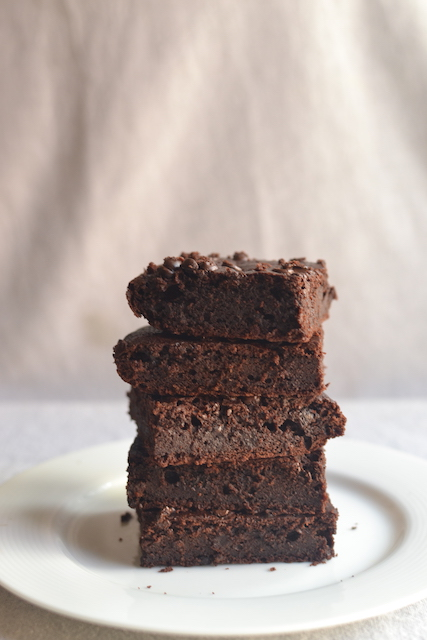 Brownies slices one top of the other