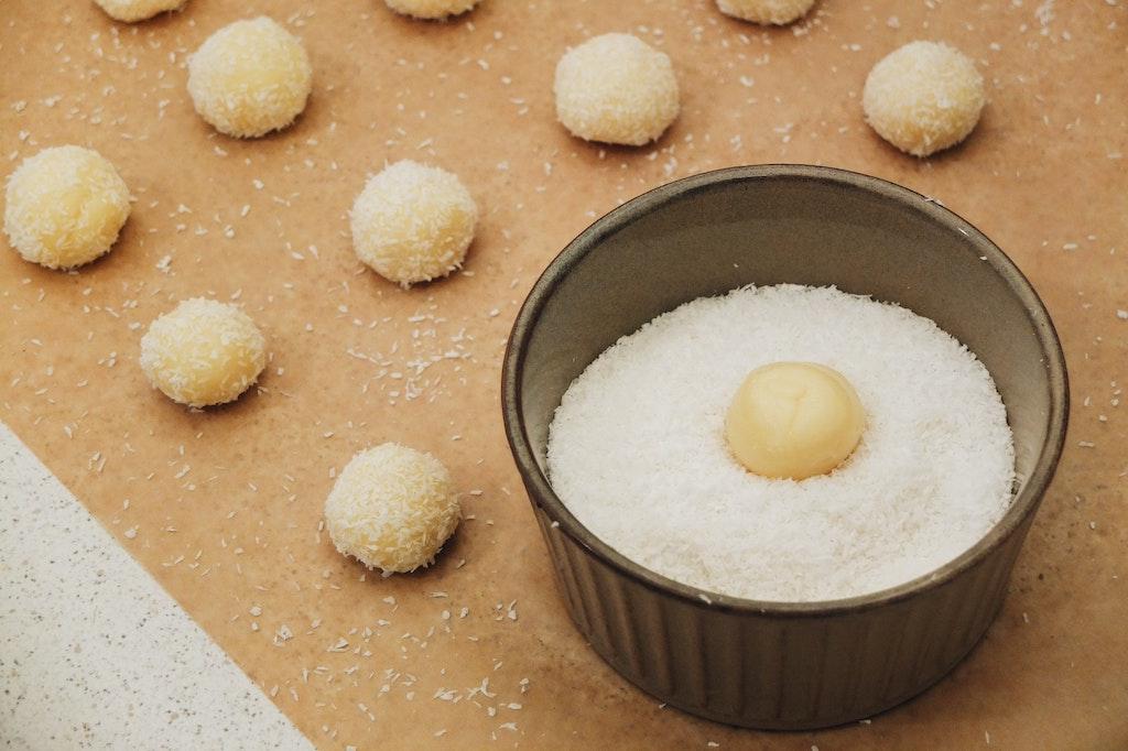 coconut sugar balls